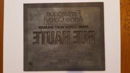PLAQUE METAL PUBLICITAIRE FILM  RUE HAUTE 1976 - Advertising (Porcelain) Signs
