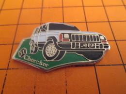 1210 Pins Pin's / Rare & TB état / THEME : AUTOMOBILES / RENAULT JEEP CHEROKEE En Attendant Nissan Fiat Et Autres Chrysl - Renault