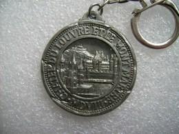 Porte-clés Métal Paris Le Chatel Du Louvre - Porte-clefs