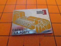 1415b Pins Pin's / Rare & TB état / THEME : POSTES / CARTE POSTALE LA POSTE CAEN CTC CENTRE DE TRI - Mail Services