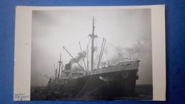 Carte Photo Du Bateau Saint Bertrand Cie Generale Transatlantique , Marine Marchande, Cargo, Datée De 1946 - Commerce