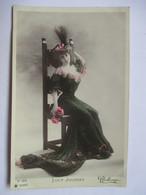 LUCY  JOUSSET      -  PHOTO  REUTLINGER              TTB - Artistes