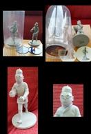 UN TINTIN LOTUS BLEU - Kuifje LOTUS BLAUW --- 12 Cm - Tintin
