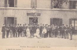 37. JOUE LES TOURS . CPA . LA FANFARE MUNICIPALE - Frankreich