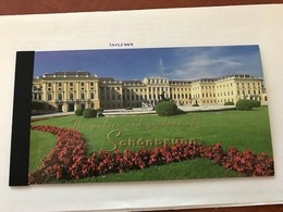 United Nations New York The Palace & Gardens Of Schonbrunn Booklet 1998 - New York – UN Headquarters