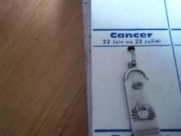 Pendentif En Métal Argenté Zodiaque ' Signe Du Cancer ' - Hangers