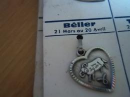 Pendentif En Métal Argenté Zodiaque ' Signe Du Bélier ' Forme Cœur - Pendants