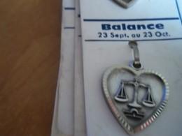 Pendentif En Métal Argenté Zodiaque ' Signe Balancer ' Forme Cœur - Hangers