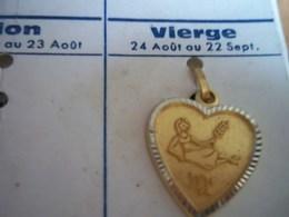 Pendentif En Métal Doré Zodiaque ' Signe Vierge ' Forme Coeur - Pendants
