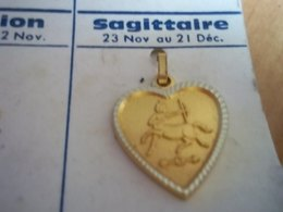 Pendentif En Métal Doré Zodiaque ' Signe Sagittaire ' Forme Cœur - Hangers