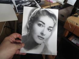 MARIA CALLAS Une Photo Tel Que Trouvée Dans 1 Pochette Pour La Taille Voir Ma Main Environ - Famous People