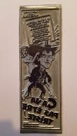 PLAQUE METAL PUBLICITAIRE FILM CA  VA PAS ETRE TRISTE 1982 - Plaques Publicitaires