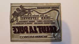PLAQUE METAL PUBLICITAIRE FILM SALUT LA PUCE - Advertising (Porcelain) Signs