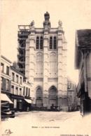59 - Nord - DOUAI - La Tour Saint Pierre ( Travaux Sur La Tour - Echafaudage ) - Douai