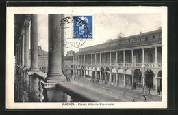 Cartolina Faenza, Piazza Vittorio Emanuele - Faenza