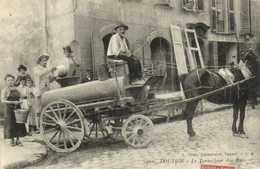 TOULON  Le Torpilleur Des Rues RV - Toulon