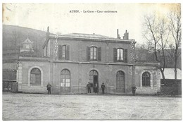Aubin La Gare Cours Extérieure - France