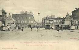 TOULOUSE Place Roguet (Faubourg St Cyprien) Une Des Anciennes Portes De La Ville Trams RV - Toulouse