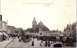 62 SAMER - La Place Un Jour De Marché - Samer