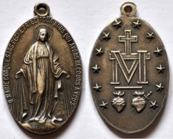 MED 121 - ANTICA MEDAGLIA - O MARIE CONQUE SANS PECHE PEIRZ POUR NOUS - DIAMETRO Mm. 21x32 - Religion & Esotericism