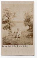 CARTE PHOTO *BORDS DE LOIRE *  PEINTURE * TABLEAU * PEINTRE * - Peintures & Tableaux