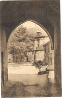 Château De Trazegnies NA112: Sous L'arc Ogival Du Passage Du Pont-levis... 1929 - Courcelles