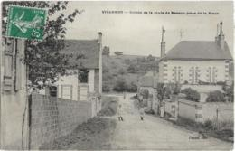 D89 - VILLEMER - ENTREE DE LA ROUTE DE BASSON PRISE DE LA PLACE - Femme Avec Un Chien-Enfants- Au Bout De Rue Un Homme - Autres Communes