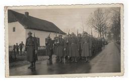 Soldaten WO II ? Te Identificeren (uit Album Met Foto's V Temse) Foto Getrokken Door Fotograaf V Borgloon - Personen