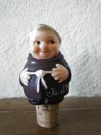 FIGURINE MOINE GOEBBEL W. GERMANY - BOUCHON ILE D' OLERON 8cm - CERAMIQUE - Ceramica & Terraglie