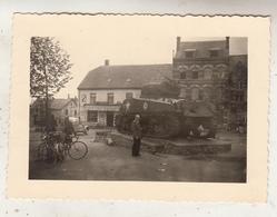 Bastogne - Tank Devant Café A La Croix D' Or - Photo Format 7 X 10 Cm - Oorlog, Militair