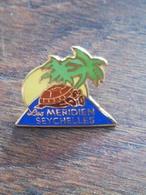 Pin' S  Le Méridien SEYCHELLES Tortue île Palmier 60 - Unclassified