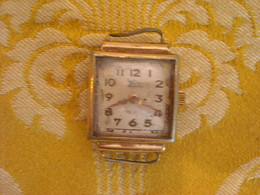 Montre Bracelet  ,Marque WYLER ,  Swiss Made, Sans Bracelet ,plaquée , Non Testée - Montres Anciennes