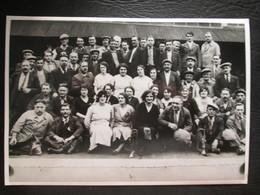 Photo De Personnes Travaillant En 'usine En Greve  Juin 1936 Chez Panhard Dim 7cm X 11cm TB - Personnes Anonymes