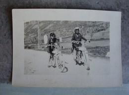 2 Femmes à Motos - Années 1930? - Personnes Anonymes