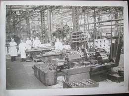 Photo D'usine Machine Industrielle  Sptembre 1934 Dim 18cm X 24cm TB - Personnes Anonymes