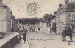 37. MONTBAZON . CPA . RUE NATIONALE. VUE PRISE DU PONT. ANIMATION. ATTELAGE. ANNEE 1906 - Montbazon