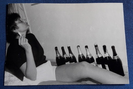 Vintage PIN-UP Photo :: Sexy Young Woman - Party Girl Mit Zigarette - Jeune Femme Erotique (ph126) - Pin-Ups