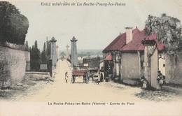 LA ROCHE-POSAY-LES-BAINS - L'ENTREE DU PONT - TRES BELLE CARTE - COLORISEE - ANIMEE - CHARRETTE - TOP !!! - La Roche Posay