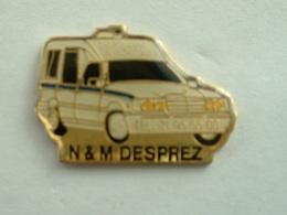 Pin's MERCEDES - AMBULANCES N & M DESPREZ - Mercedes