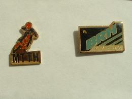 2 Pin's MOTO - Motos