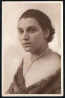 C6120 - Porträt Hübsche Junge Frau - Pretty Young Women - Vintage - Mode Frisur Schmuck - Irene Milde - Fotografie
