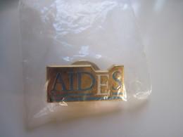 Pins  AIDES  TBE - Verenigingen