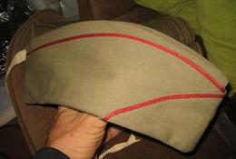 Calot Beige Liseret Rouge à Identifier - Casques & Coiffures