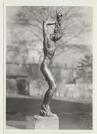 AK  Lübeck Frau Skulptur - Skulpturen