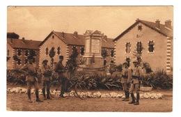 02 AISNE - SOISSONS Caserne Gouraud Et Monument Aux Morts Du 67ème  R.I - Soissons