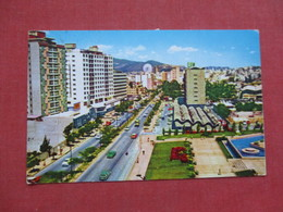 Ave Andres Bello  Caracas Venezuela    Stamp  & Cancel   -ref 3411 - Venezuela