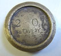 Monnaie. 64. Mesure, Poids En Laiton De 2 OZ. W & T Averyl. Poinçon Au Verso. - Coppers