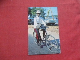 Policeman On Bicycle Bahama Islands     Stamp  & Cancel   -ref 3411 - Police - Gendarmerie