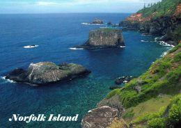1 AK Norfolk Island Zu Australien * Landschaft Der Insel Mit Vorgelagerten Felsen * Insel Im Pazifischen Ozean * - Norfolk Island