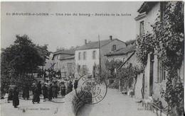 St. MAURICE Sur LOIRE : Une Rue Du BOURG- Arrivée De La Loire (procession )-1923-Rare - France